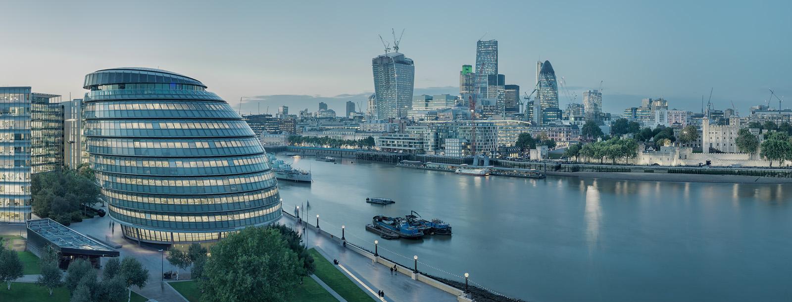 Constant Thames - Acrylic mounted frameless London Fine Art Photo