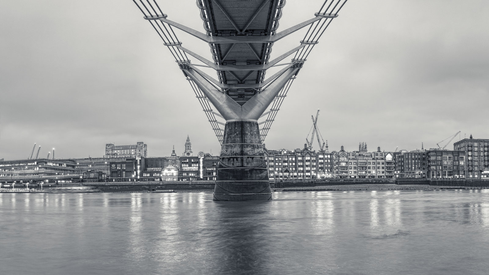 Under the Bridge - large-scale London cityscapes - Will Pearson - London Fine Art Photography